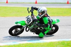 Kev-with-Knee-down