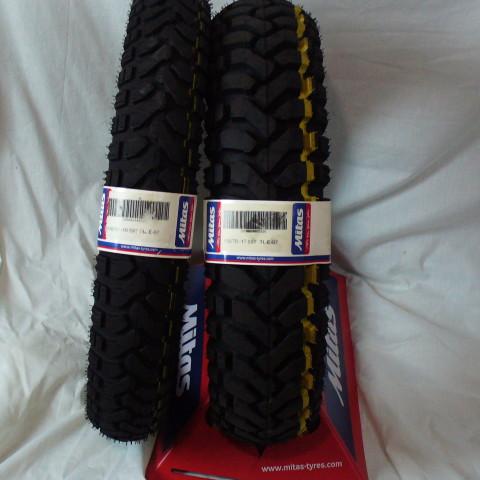 110 90 & 150 17 E07 Dakar set